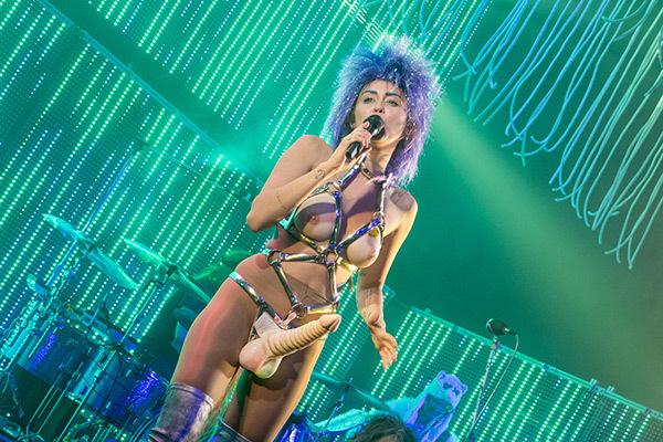 Miley Cyrus13