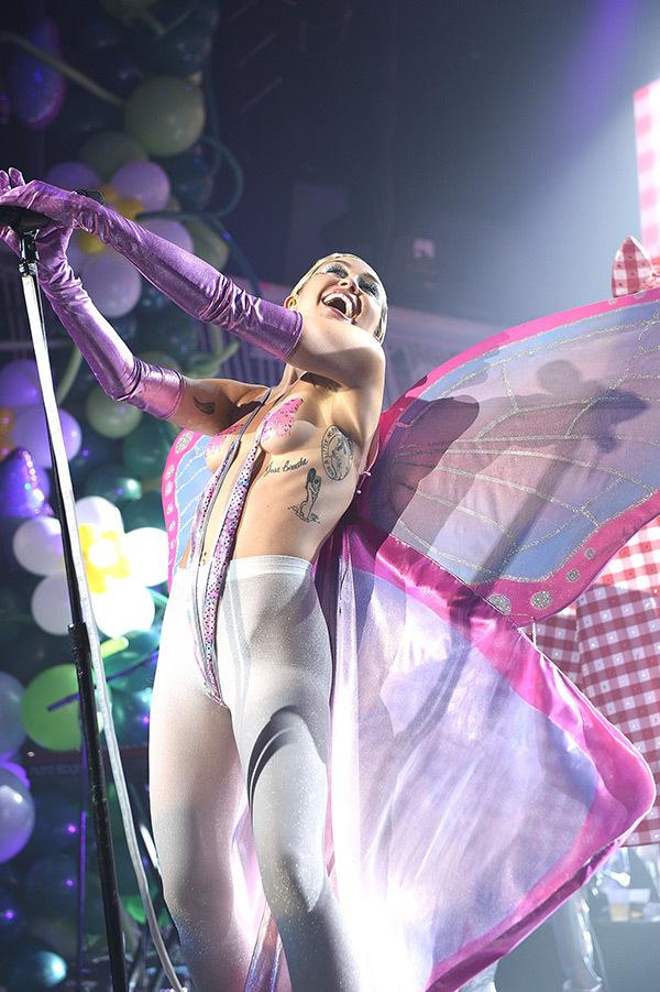 Miley Cyrus6